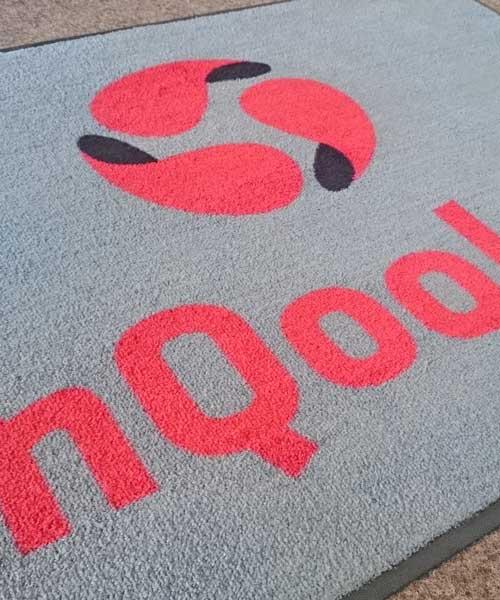 Logo firmy na rohozke