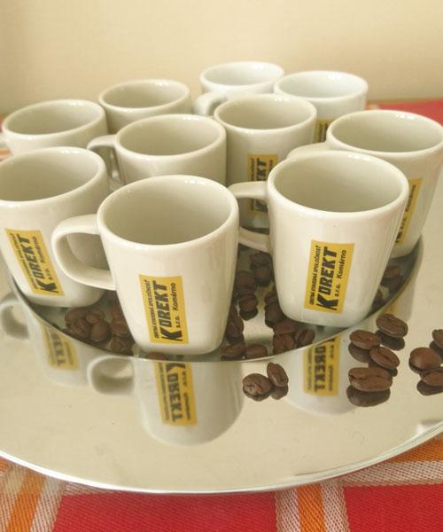 Kavove salky s potlacou loga